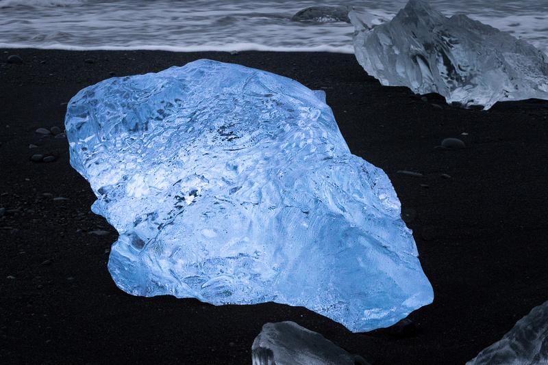 Iceberg on Jökulsárlón Iceberg Beach #02