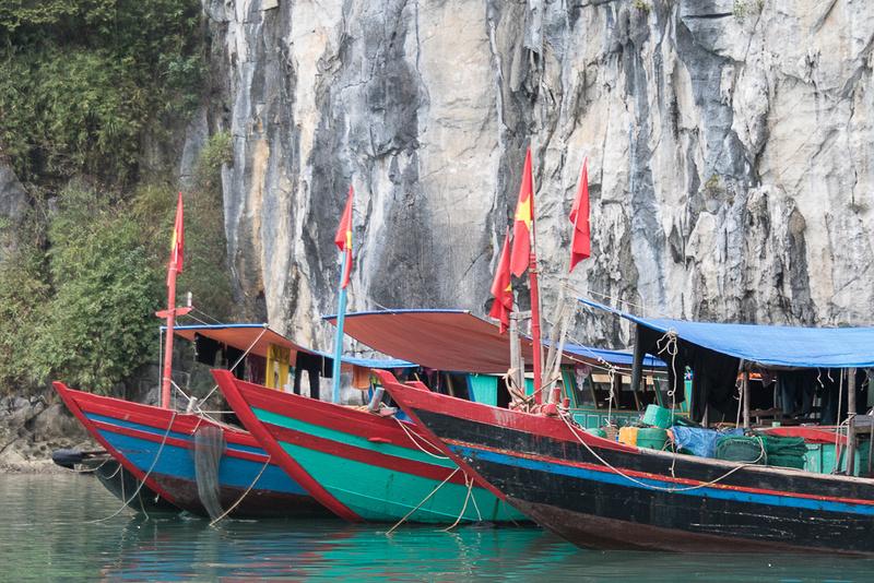 Three boats, Ha Long Bay