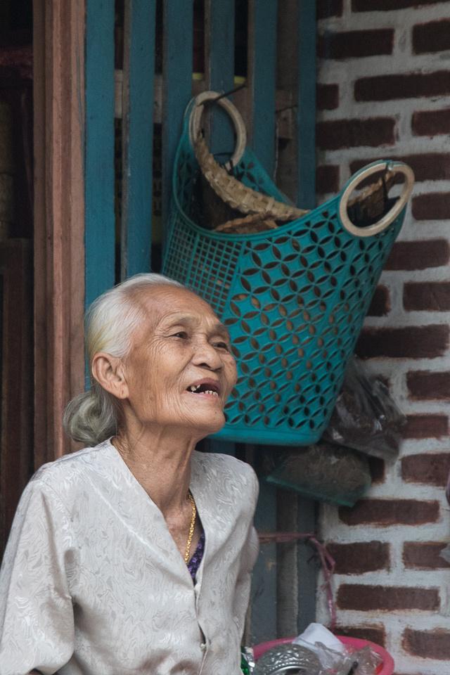 woman #3, Luang Prabang