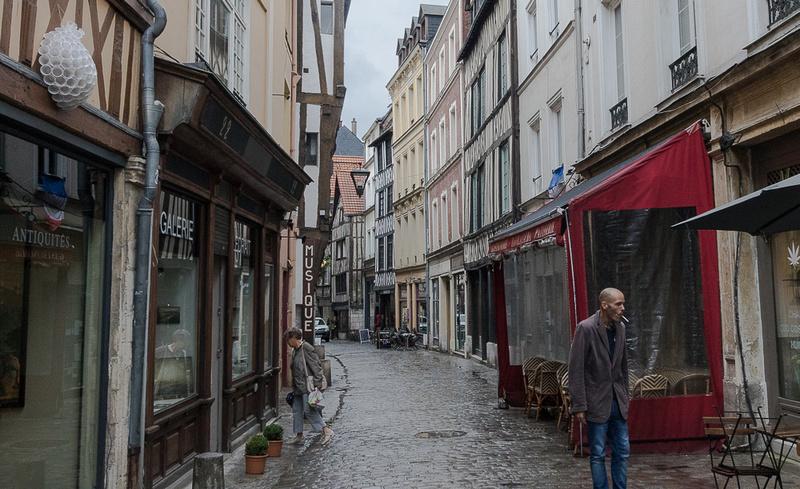 Rainy day on Rue du Pere Adam, Rouen, FR