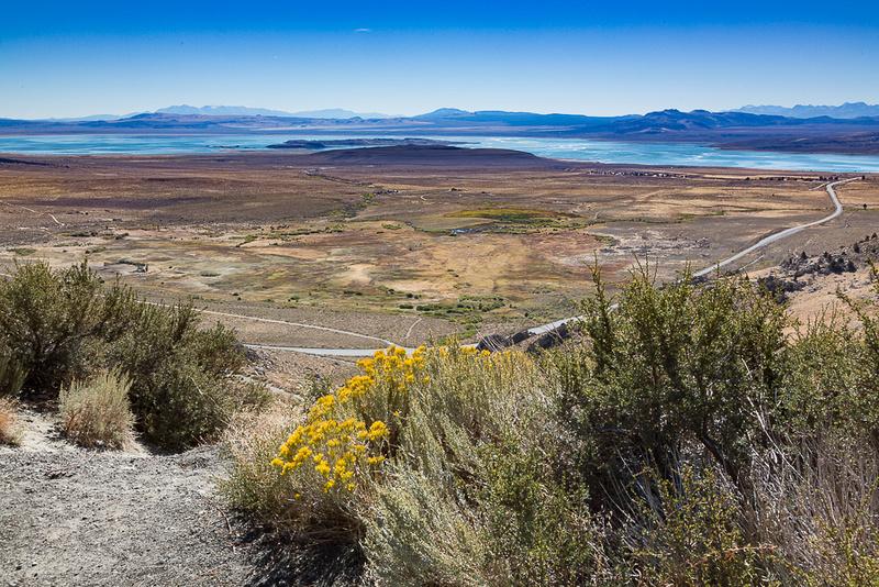 Mono Lake and US-395