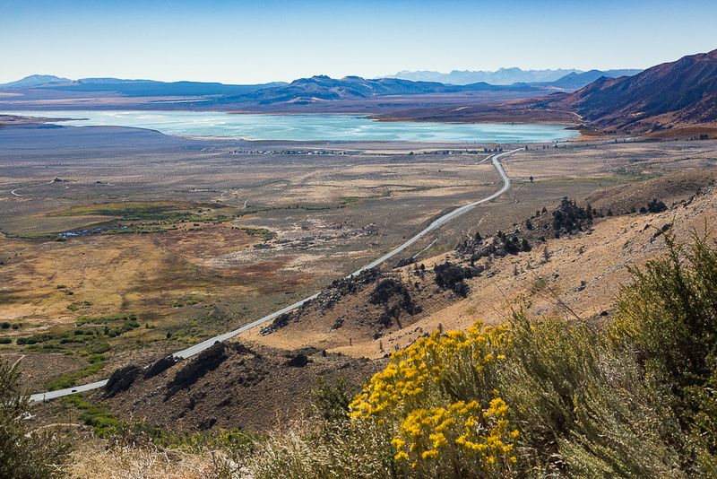 US-395 leads to Mono Lake and Lee Vining