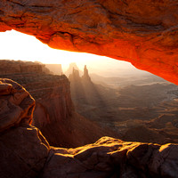 Sun Rays and Mesa Arch