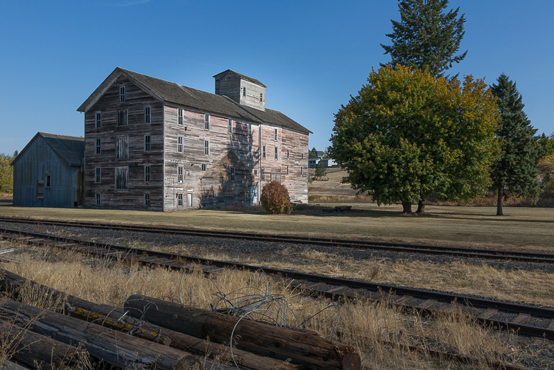 Old boarding house, Oakesdale