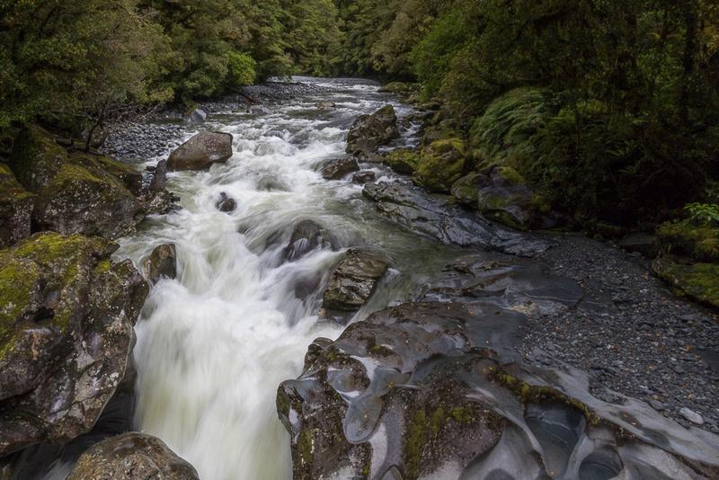 Cleddau River entering The Chasm NZ